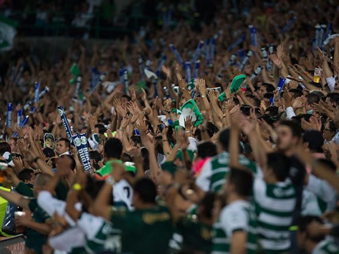 Gran ambiente se vivió en el juego de ida de la final del Torneo Clausura 2015 (Mexsport)
