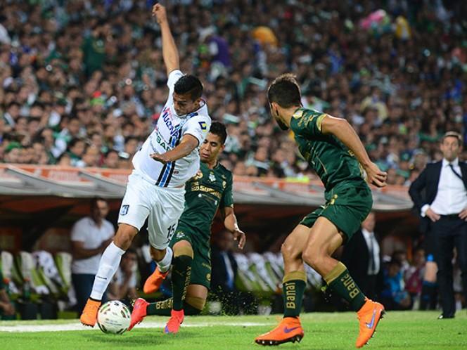 Ángel Sepúlveda salió del terreno de juego en el segundo tiempo (Mexsport)