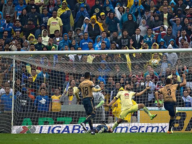 Los Pumas golean 3-0 al América en el Estadio Azteca, en la ida de las semifinales de la Liga MX (Mexsport)