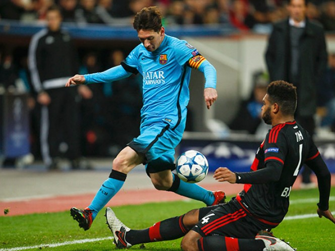 Bayer Leverkusen, eliminado de Champions; 'Chicharito' anota (Reuters)