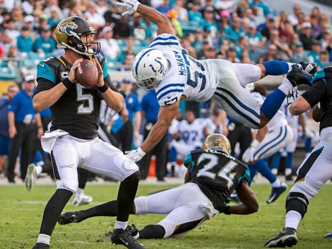 Blake Bortles completó tres envíos de anotación y logró otro touchdown en un acarreo (AP)