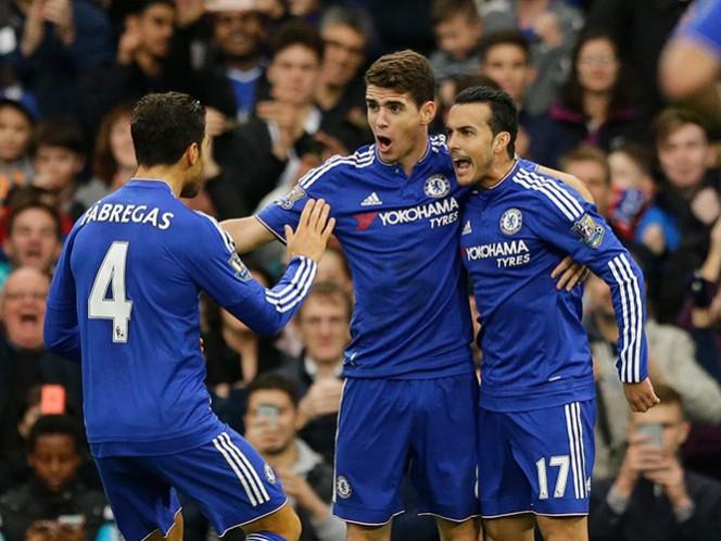 Chelsea recupera el camino de la victoria; United agrava crisis (Fotos: AP)