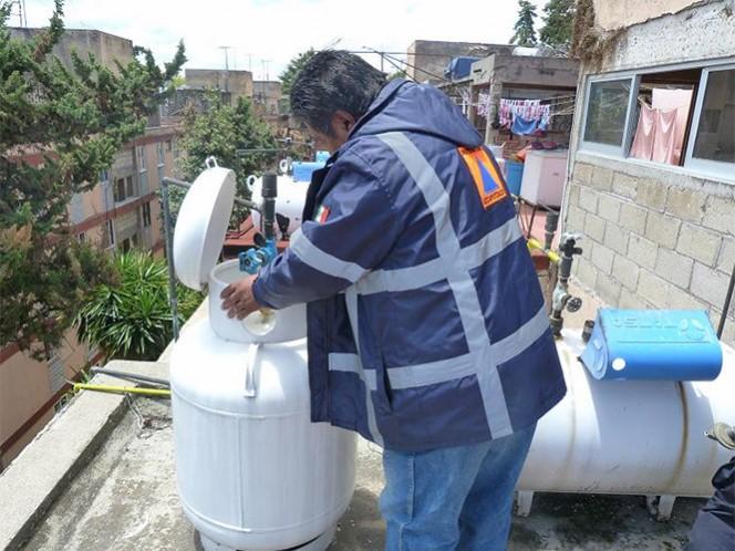 Protección Civil DF llama a los capitalinos a revisar de manera periódica la condición de sus tanques de gas.