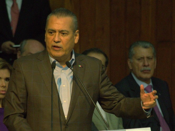 El líder nacional del PRI, Manlio Fabio Beltrones, aseguró que el debate sobre el uso de la mariguana es inevitable y declaró listo a su partido (Foto: Cuartoscuro)