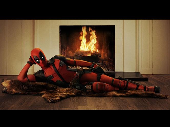 Se difunde el breve trailer y los carteles navideños de su película para IMAX, como parte de su campaña de marketing '12 Días de Deadpool'. (20th Century Fox)
