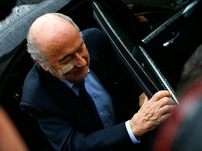 Blatter defiende su honorabilidad y la de Platini (AP)