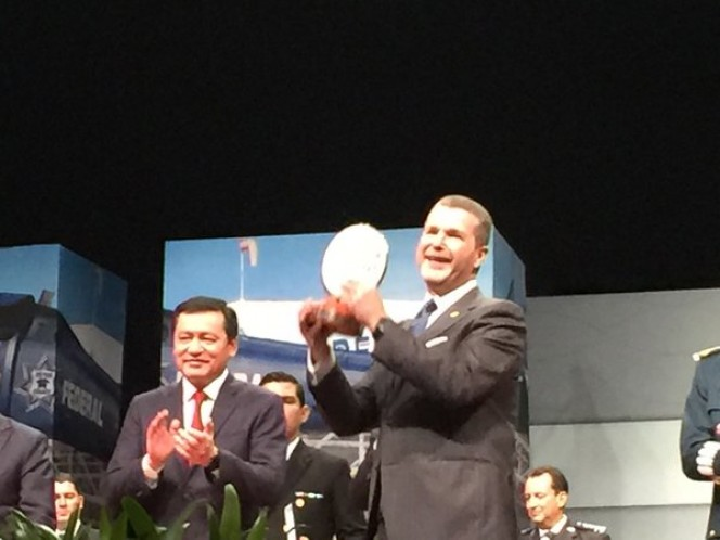 El Consejo Ciudadano informó que el primer mandatario reconoció a los policías destacados durante este año por su disciplina y lograr un México de paz y tranquilidad.