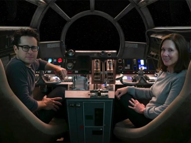 El director y guionista explica que aunque los avances de 'Star Wars: The Force Awakens' incluyen imágenes y diálogos que no terminaron en el filme, esto no se hizo con la intención de confundir a nadie. (Lucasfilm)