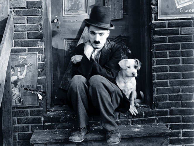 El 25 de diciembre de 1977 muere a los 88 años el actor británico Charles Spencer Chaplin, en Ginebra, Suiza, un personaje mítico del cine silente que lleva la comedia a niveles nunca imaginados. (YouTube)