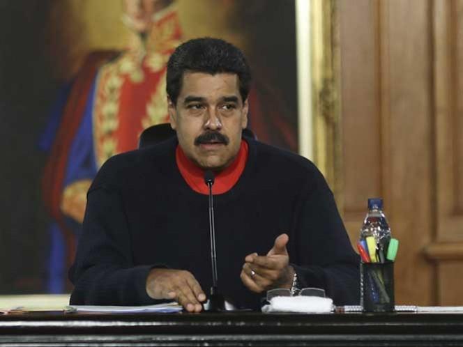 Oposición venezolana quiere parar 'regalos' de Maduro