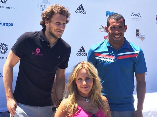 Forlán y Tevez dejan el futbol para jugar golf (EFE)