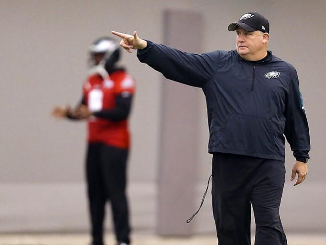 Águilas despiden al entrenador Chip Kelly (AP)