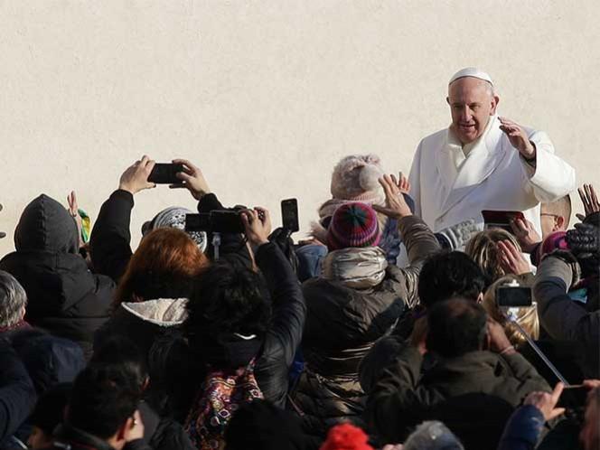 Alegra al Papa presencia de mexicanos durante última audiencia de 2015