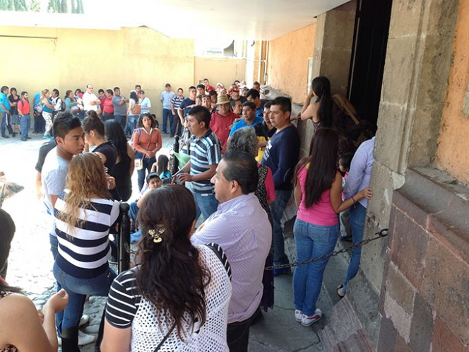 Cada media hora la capilla con cupo para unas 150 personas se llenaba a tope. Foto: Arturo Páramo