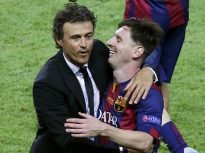 Messi, cuatro veces ganador del Balón de Oro, fue galardonado por primera vez en su carrera con el premio al 'cerebro' del año. (Reuters)