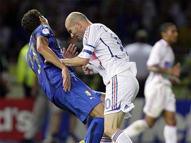 El momento en el que Zidane le da el cabezazo a Materazzi (Reuters)