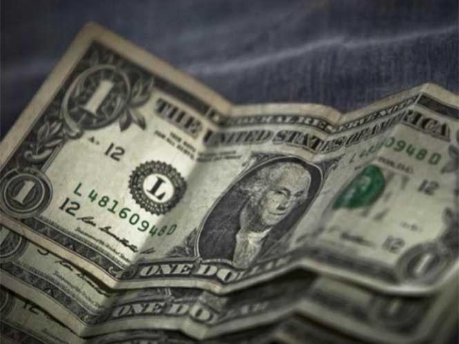 El euro registra una cotización máxima a la venta de 19.80 pesos, una ganancia de 15 centavos respecto al término de la víspera, y el yen se ofrece hasta en 0.155 pesos.