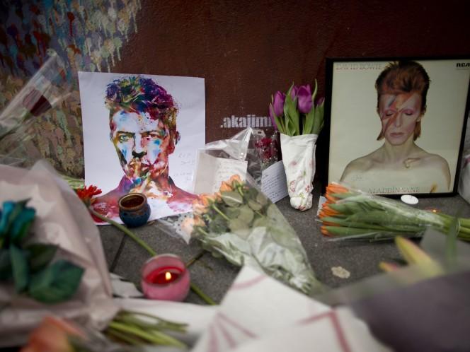 Ziggy Stardust es un personaje creado por Bowie para explicar sus extraños modos. (AP)