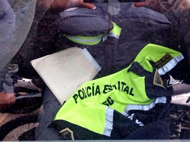Al momento de la detención se encontraron al interior del auto los uniformes de los policías.
