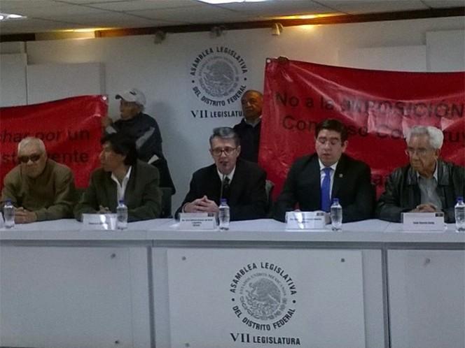 Diputados locales de Morena ofrecieron una conferencia para plantear su postura sobre la Reforma Política del DF.
