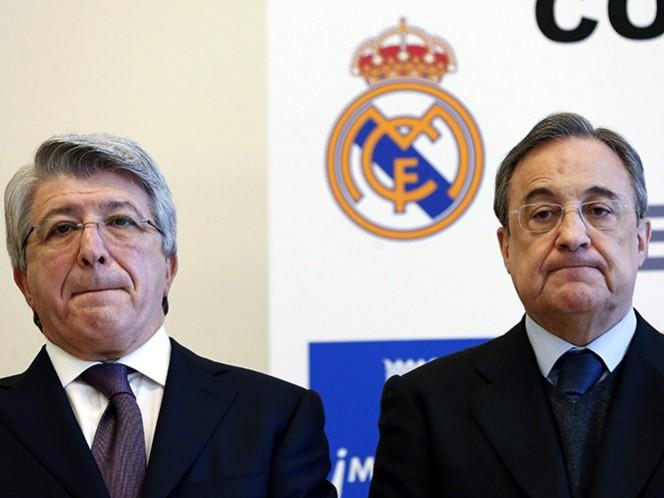 FIFA castiga al Real Madrid y Atlético sin fichar jugadores (EFE)