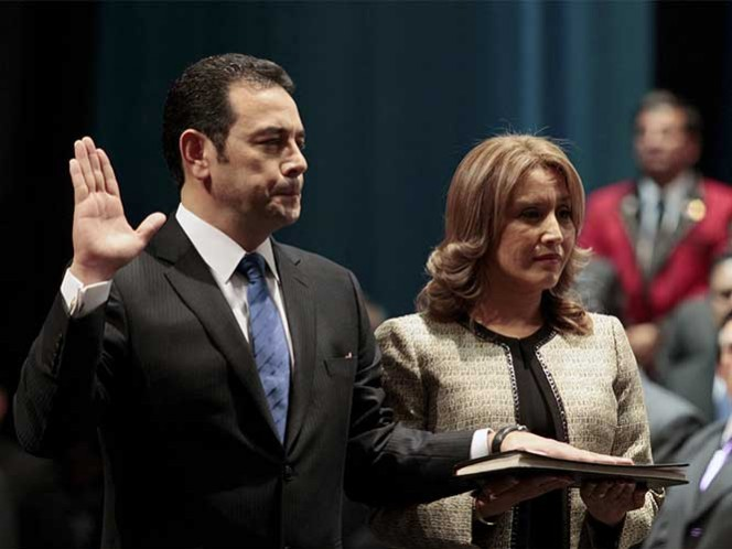 Comediante Jimmy Morales toma posesión como presidente de Guatemala