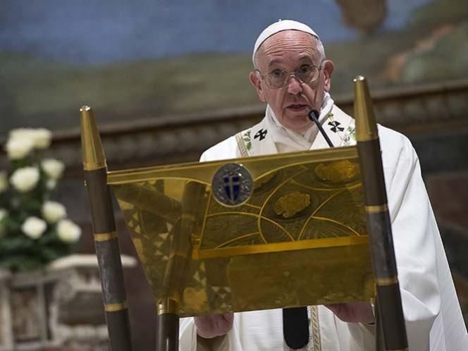 El Papa hace visita privada a asilo de ancianos en Roma