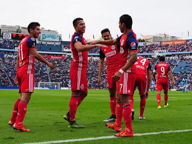 Orbelín Pineda se estrena como goleador rojiblanco al anotar al minuto 5 (Mexsport)