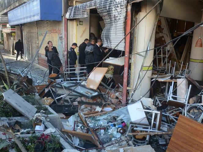 """Al menos 10 personas resultaron heridas por la explosión en la cafetería """"Adylyz"""" de Félix Cuevas."""