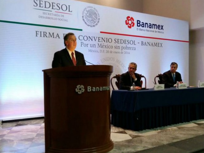El titular de la Sedesol, José Antonio Meade Kuribreña, destacó que pese al volátil escenario internacional, México presenta una adecuada conducción macroeconómica
