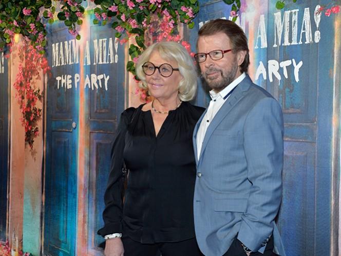 Bjorn Ulvaeus, de ABBA, con su esposa Lena Kallersjo, (AP)