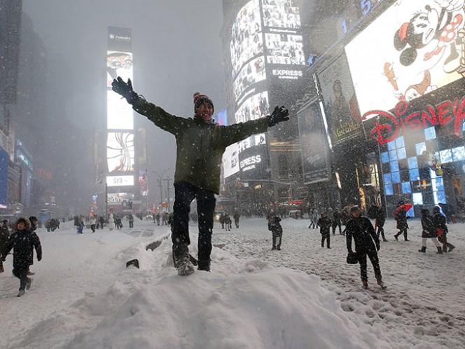 Las nevadas han paralizado gran parte de la región, donde se han registrado la muerte de al menos 18 personas.