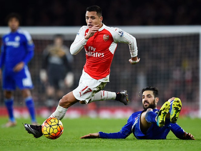 Arsenal cede terreno en el liderato de la Liga Premier (Reuters)