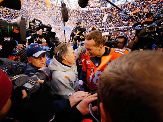 Es la segunda ocasión en las últimas semanas en que el mayor de los Manning deja entrever sus intenciones de colgar el casco al finalizar esta temporada. (Reuters)