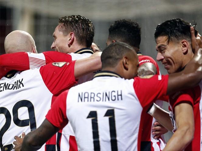 Los dirigidos por Phillip Cocu alcanzaron las 47 unidades, una menos que Ajax, y se ubican en el segundo peldaño general. (@PSV)