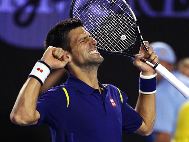 Djokovic disputará su sexta final del torneo, tras vencer a Roger Federer en cuatro sets (Fotos: AP)