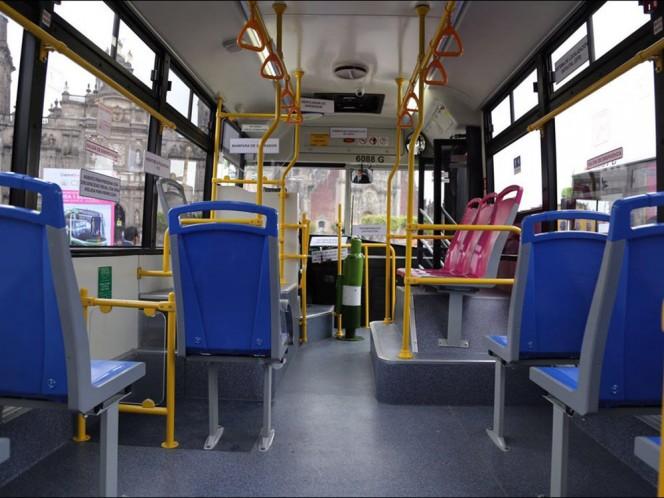 La Red de Transporte de Pasajeros cuenta con 94 rutas, que cubren 3 mil 269 kilómetros y transporta 400 mil personas al día.