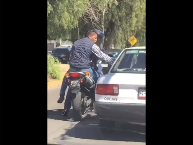 Motociclistas asaltan a cuentahabiente en Naucalpan
