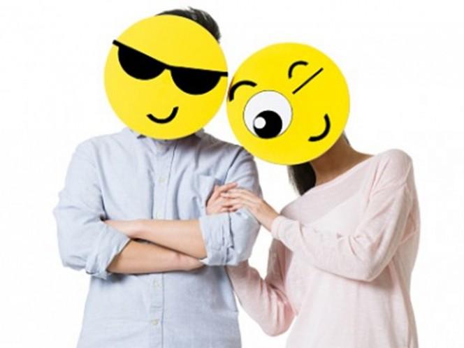 Entre 36 a 40 por ciento de las personas que piensan en sexo varias veces al día, utilizan en sus mensajes un número elevado de emojis, señala la investigación. Foto: Especial