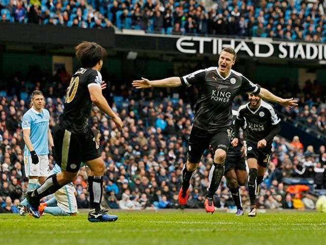 Leicester se impone 3-1 al Manchester City y es líder absoluto de la Liga Premier (Fotos: Reuters)