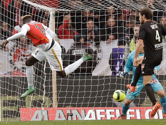 Tiemoue Bakayoko anotó de cabeza el gol del triunfo a los 81 minutos