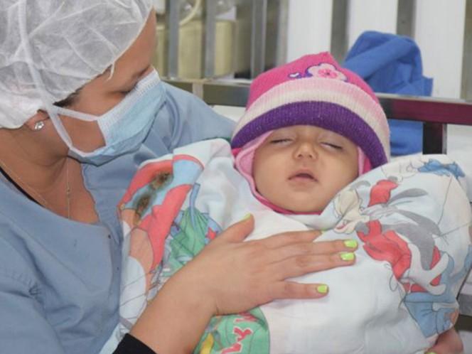 La bebé que nació con 23 dedos
