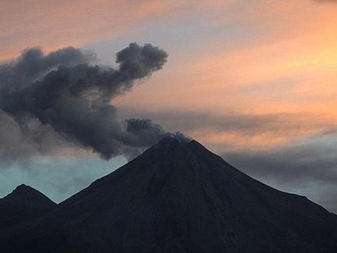 Amanecer del Volcán de Fuego