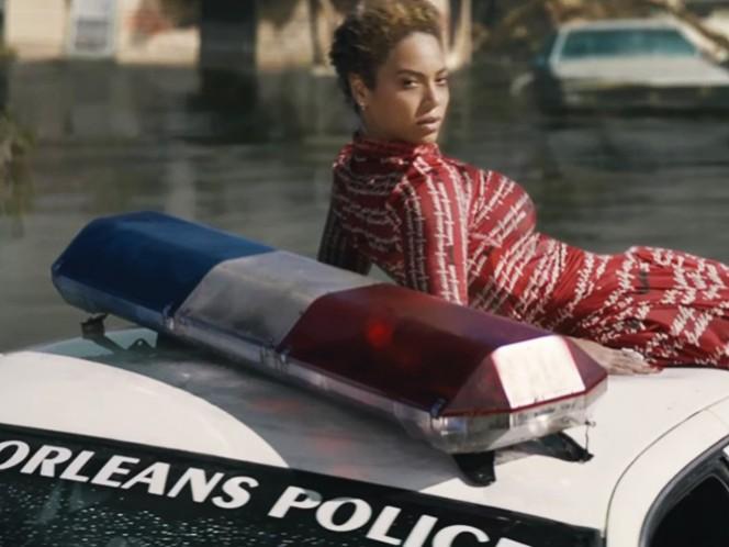 En el video, se ve a Beyoncé sobre un vehículo policial y hay referencias al movimiento Black Lives Matter. (Tomada de YouTube)