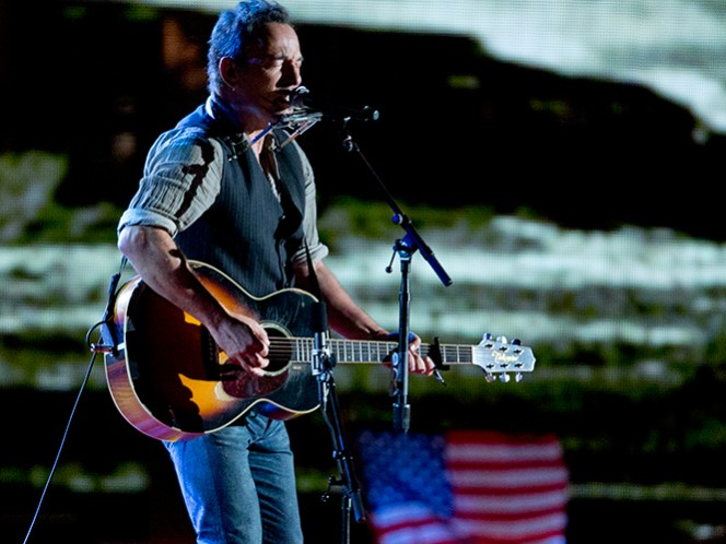 Springsteen comenzó a escribir las memorias en 2009, después de actuar junto a la E Street Band en el descanso del Super Bowl. (AP)
