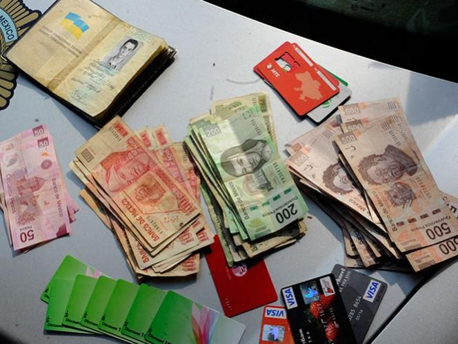 Elementos de la Policía Federal detuvieron a cuatro personas originarias de Rumania y una más de Italia, las cuales se encuentran presuntamente relacionadas con la clonación de tarjetas de crédito