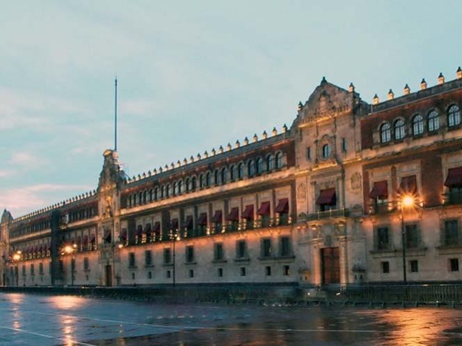 Francisco, el primer Papa en pisar el emblemático Palacio Nacional