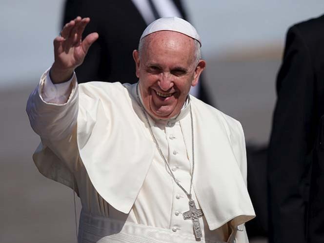 Francisco emprende vuelo hacia la Ciudad de México