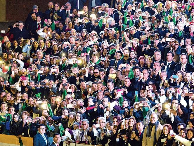 Más de cinco mil personas recibieron a Francisco, juntos pidieron bendiciones, mismas que les fueron concedidas. Fotos: Eduardo Jiménez y Especial