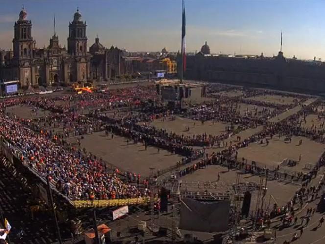 La gente espera ver de nuevo al Papa Francisco luego de su salida de Palacio Nacional.